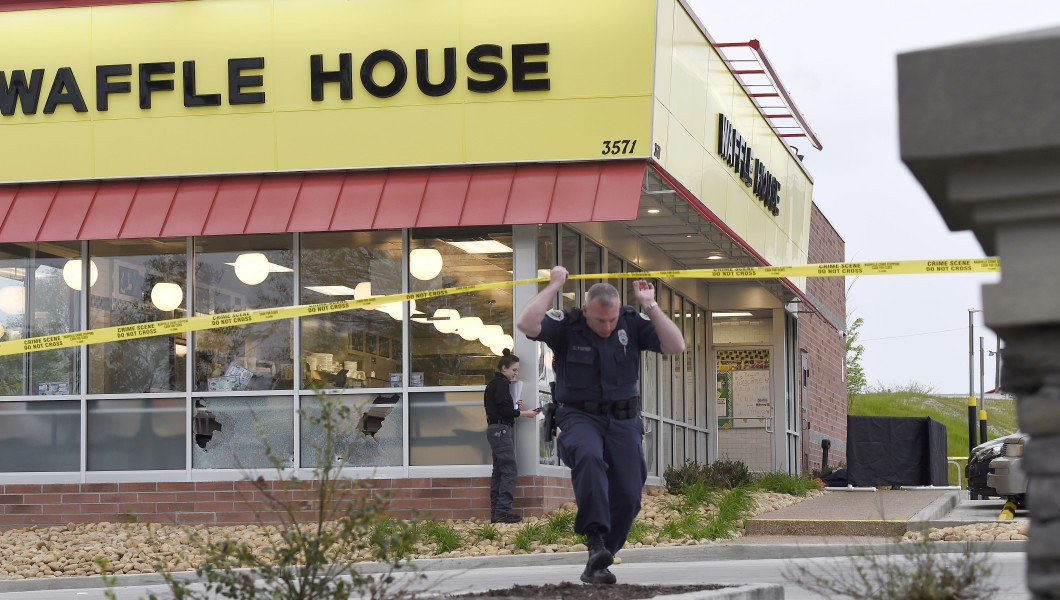 Man who disarmed Tennessee Waffle House shooter shrugs off hero label: 'I just wanted to live' https://t.co/PAkk8gYJAQ