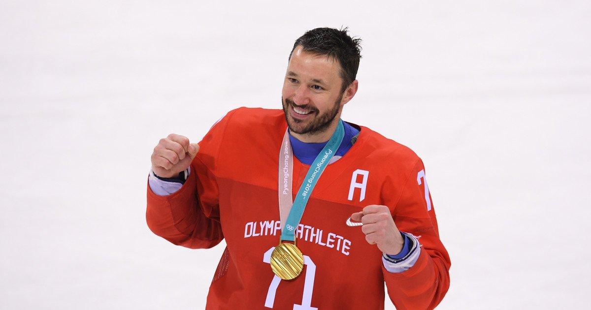 Хоккеист Илья Ковальчук продал свой BMW и оплатил операцию подростку из Алтая: https://t.co/tc2repIIpk