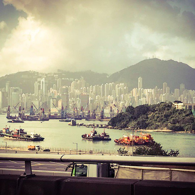 Arrived in Hong Kong ���� We're playing at KITEC Star Hall tomorrow, who's coming along?  �� �� https://t.co/RU9oVDvIV0