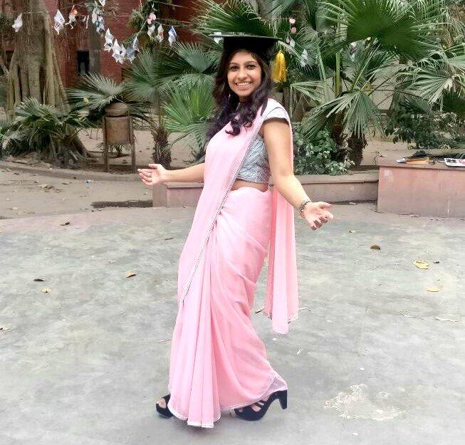 Happily Graduated in Shah &#39;s Eshtylee  @iamsrk  I Love You   Yaad aayege College Ke Din  #MondayMotivation #MondayMorning #MondayMotivaton  #SRK35Million<br>http://pic.twitter.com/NSxmjAB8F0