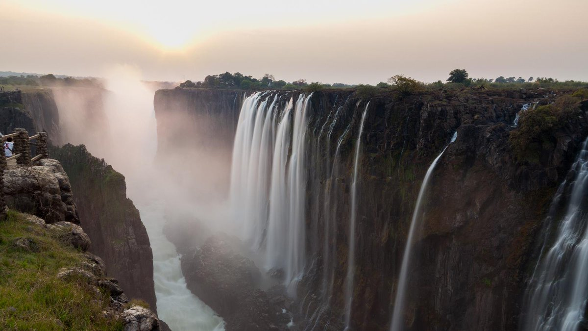 #HonMupfumira - It&#39;s unfortunate that Zimbabwe is not well known as a destination in the Middle East market. We need to embark on an aggressive tourism marketing strategy.  #visibility #awareness #MakingZimbabweTheDestinationOfChoice @ZtaUpdates<br>http://pic.twitter.com/UQsI8ZrxIA