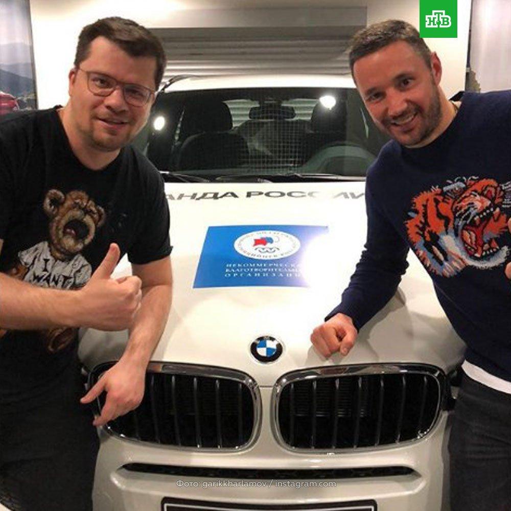 Хоккеист Илья Ковальчук продал BMW и оплатил операцию подростку из Алтайского края. 13-летнему Яше диагностировали саркому. На лечение и эндопротез требовалось 2,7 млн рублей https://t.co/VUucPw1CqI
