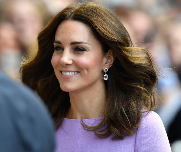 Kate Middleton is in Labour Now to Give...