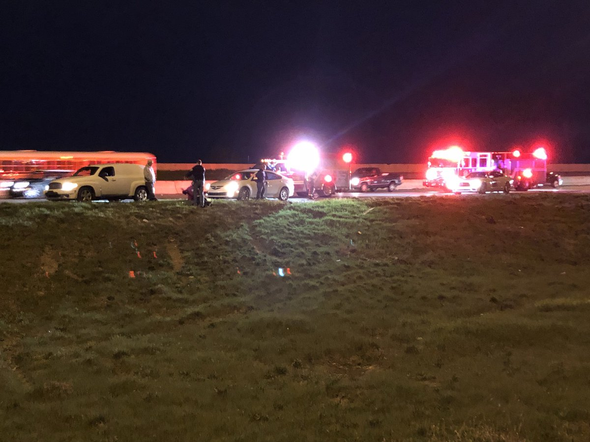 NORTH SPLIT CRASH: 1 lane of WB I-70 is blocked in the curve to SB 1-65 b/c of a 2-3 car crash w/ injury. #NewsTracker #Daybreak8 <br>http://pic.twitter.com/iowTGIanx8