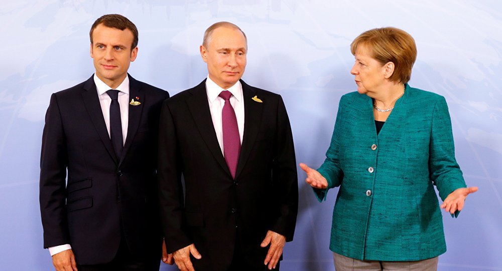 Back to proper format: German politicians want to invite #Putin to #G7 summit  https:// sptnkne.ws/htXX  &nbsp;  <br>http://pic.twitter.com/JbHwCb0RKG