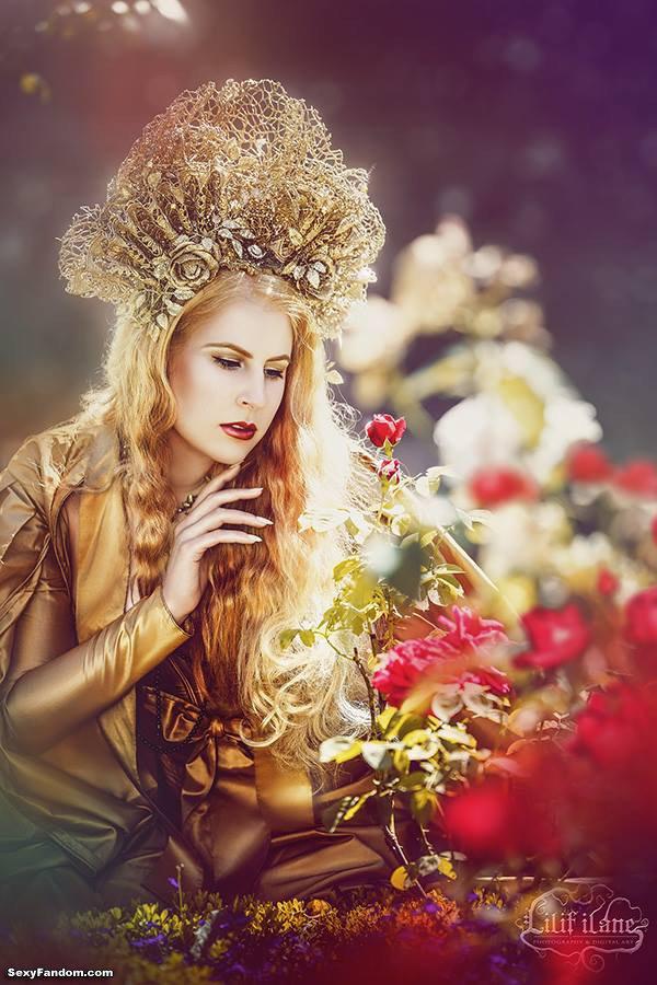 Sexy Fandom: The Golden Queen by Aurelia Isabella Cosplay...