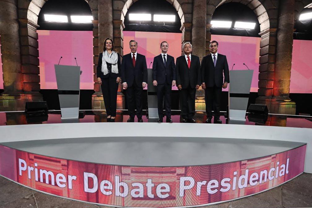 Los momentos que más emocionaron en el primer #DebateINE https://t.co/jXYJSXSNvi #Elecciones2018  ¿Quién ganó? https://t.co/AG4rtp8l6T