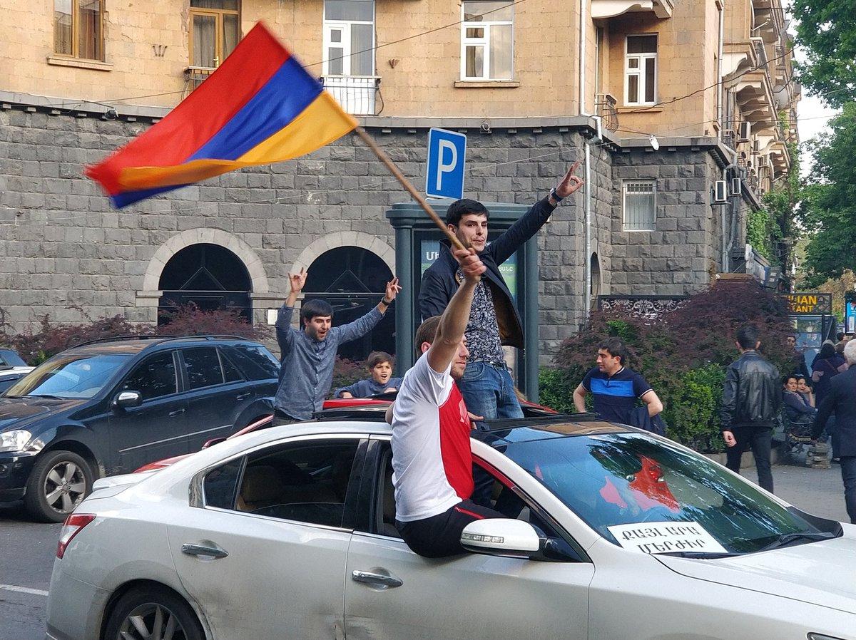 """Армению возглавил бывший функционер """"Газпрома"""""""