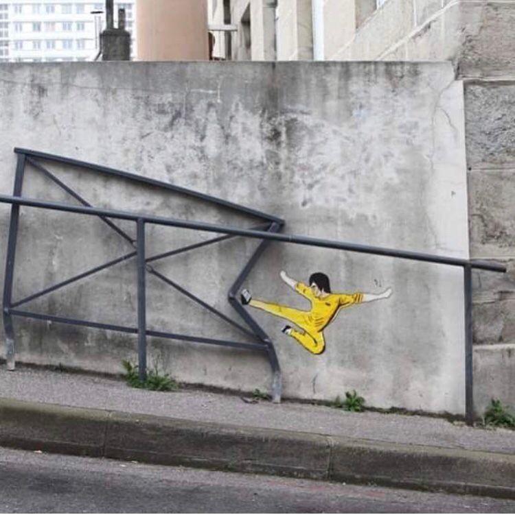 Mural by Oak Oak  Saint Ettienne, France #streetart #mural #graffiti #art<br>http://pic.twitter.com/B3bN8jWeuZ