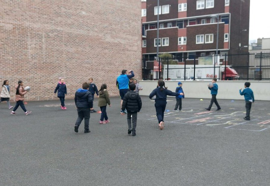 We had a great day of rugby demos with Stephen from @LeinsterBranch #FromTheGroundUp #ASW18 @ActiveFlag<br>http://pic.twitter.com/RajGxPSHaq