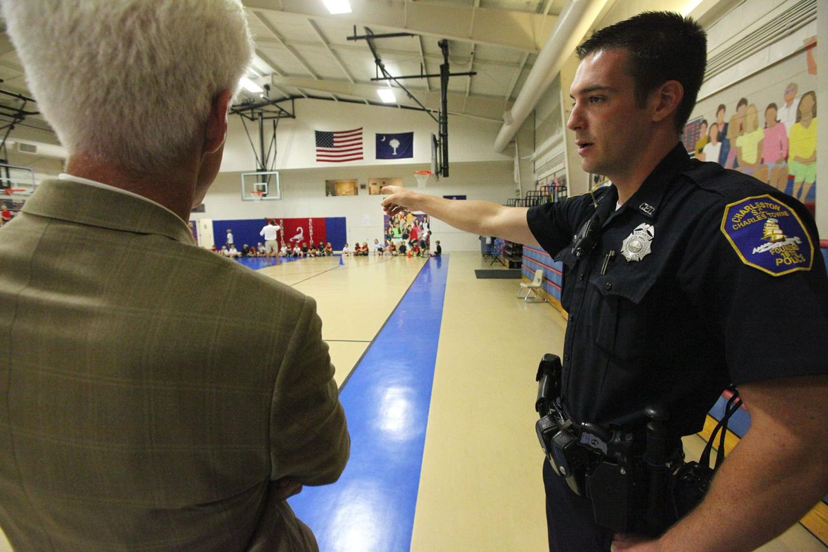 Charleston County to vote on putting police in elementary schools, amid new doubts.   More: https://t.co/3CEPskCcV7 #chsnews