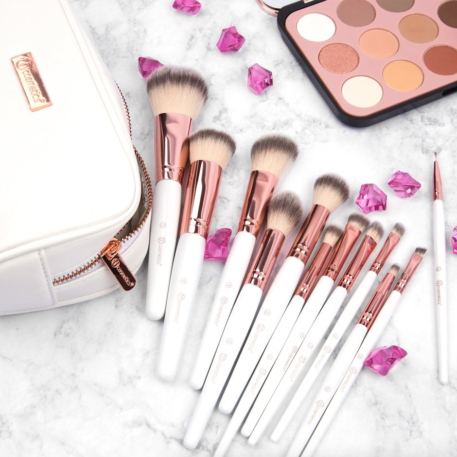 「bh cosmetics Rose Romance 12 Piece Brush Set」的圖片搜尋結果