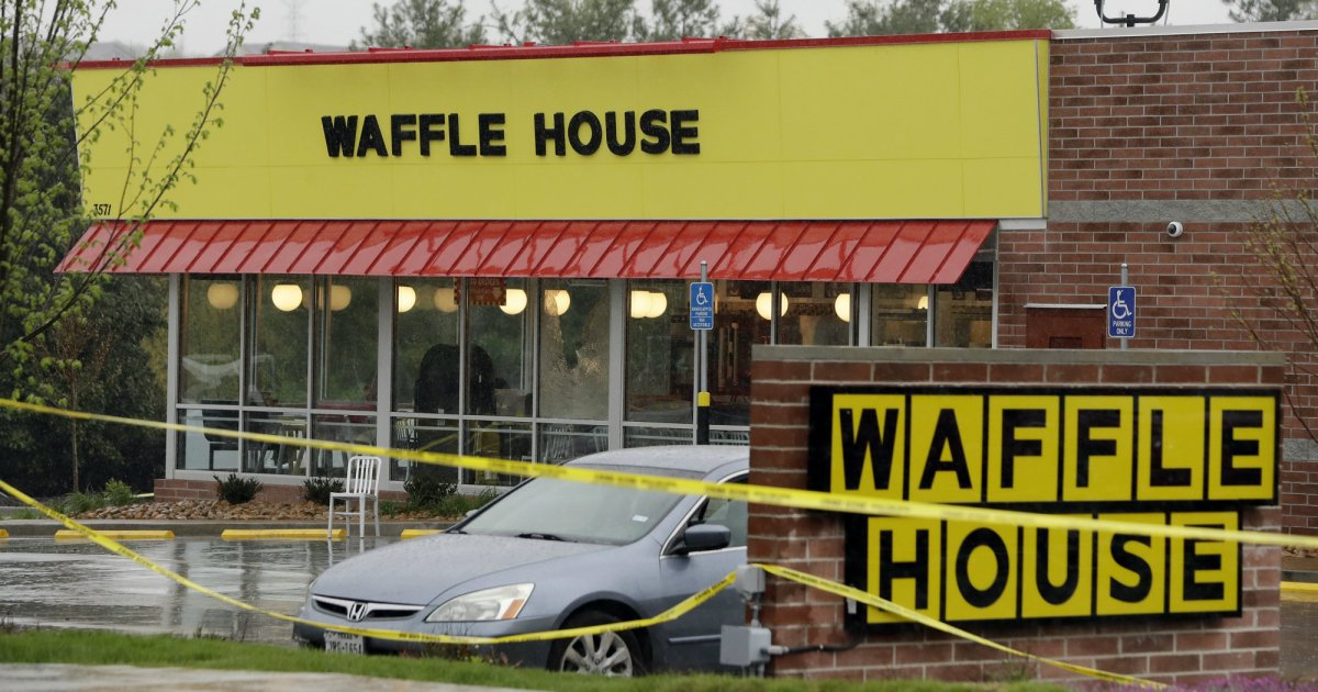 Police seized the Waffle House suspect's guns months ago. How did he get them back? https://t.co/6PseEkHvMk