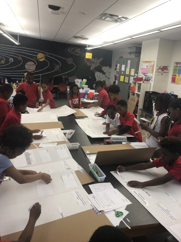 My @HendleyES 4th grade STEM Scholars are working so hard to complete their STEM Fair @DCPSCornerstone Project Boards. #collaboration #communication<br>http://pic.twitter.com/kM963N6ukp