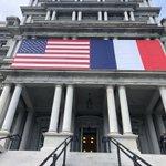 .@POTUS & @FLOTUS accueillent le Président @EmmanuelMacron et Madame Brigitte Macron à DC alors que les États-Unis réaffirment leur longue amitié avec la France et continuent l'héritage de la coopération franco-américaine qui remonte à l'époque de l'indépendance américaine.