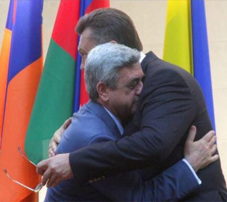 Министр спорта Армении Ростомян ушел в отставку и присоединился к протестам - Цензор.НЕТ 8071