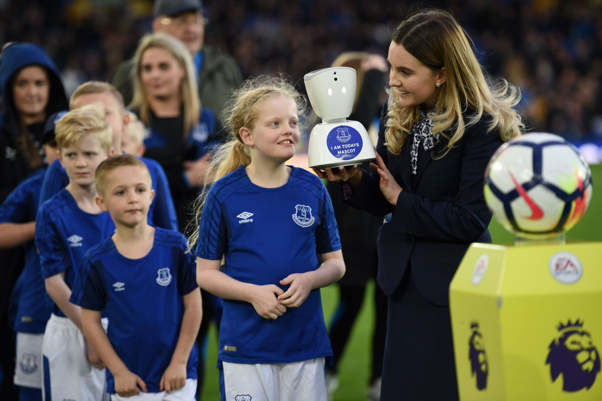 14-year-old Jack McLinden's condition made it unlikely he would ever be an Everton mascot, but tonight a robot made it possible.  It's a moment he will never forget.  https://t.co/QqQhfqUZCK