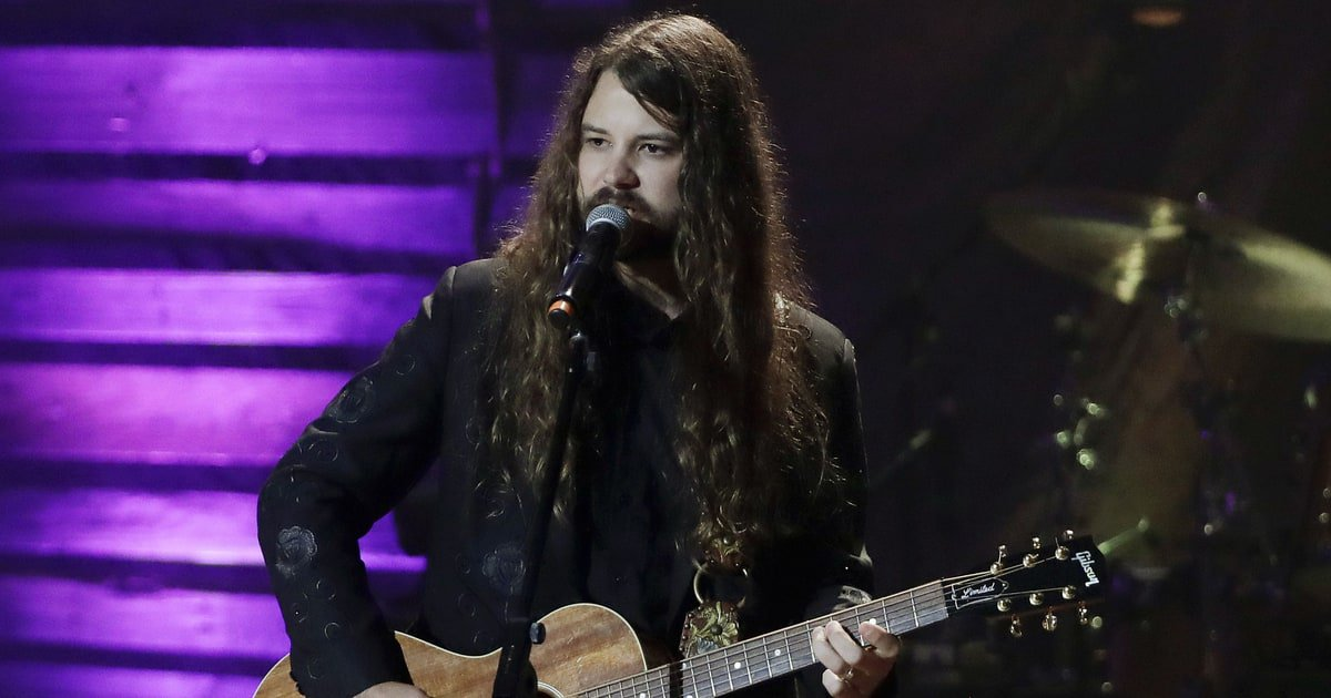 See Brent Cobb's colorful 'Mornin's Gonna Come' video https://t.co/sNJ5NIsvYS https://t.co/jW9LH2QrLg