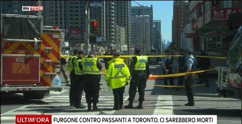 #UltimOra #Toronto, furgone sui passanti, la polizia: almeno 9 morti e 16 feriti