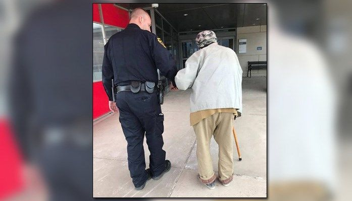 Police officer drives 84-year-old man to hospital to see wife #wmc5 >> https://t.co/3i9VLQAuE6