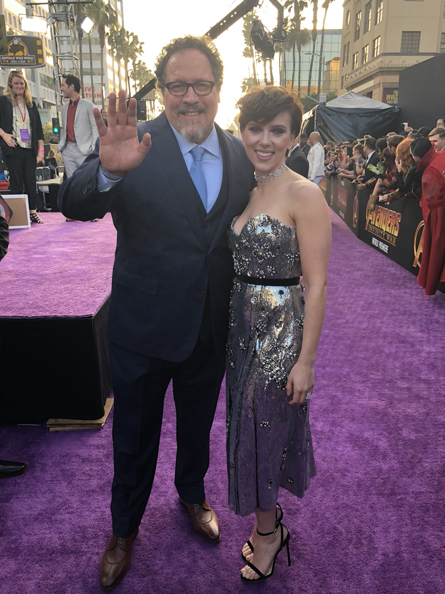 .@Jon_Favreau and Scarlett Johansson shine on the red carpet. #InfinityWar https://t.co/LqTnlbNOz7