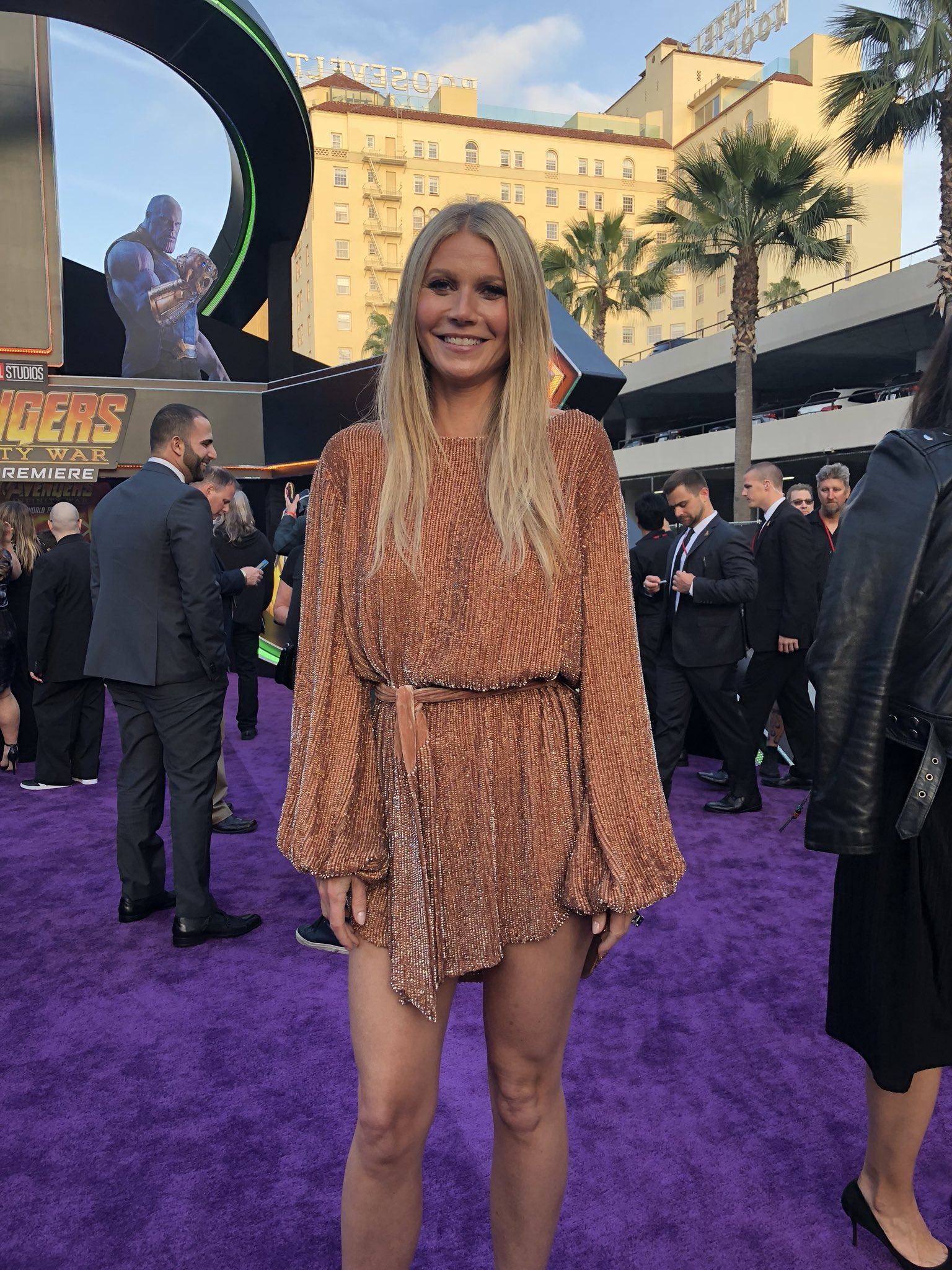 .@GwynethPaltrow glows on the red carpet. #InfinityWar https://t.co/mdEQtBqyKI