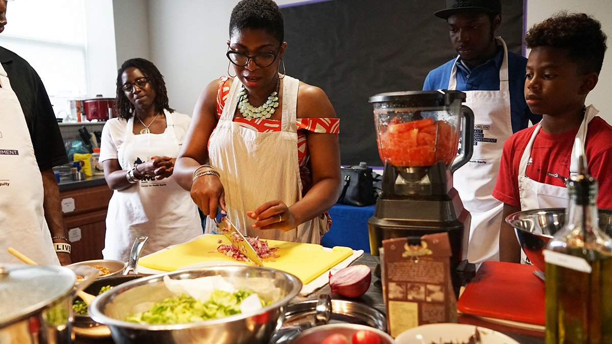 Looking to improve your finances? Our Brooklyn Daddy Iron Chef class on Saturday, 4/28 will offer financial counseling to new parents. You'll also enjoy a FREE gourmet meal. Register: https://t.co/CrkVzQk8dt