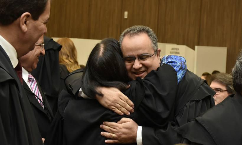 Tribunal de Justiça de Minas tem novo presidente eleito https://t.co/120HGrg3O5