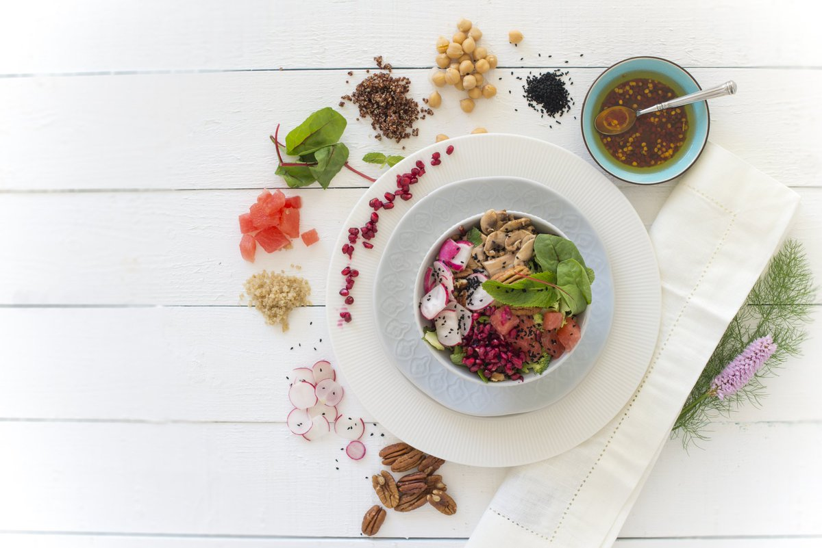 Searching for that little pot of #gold at the end of the rainbow #rainbow #foods #seasonal #salads #elements #noaddedbaddies #Vitamins #minerals #HealthyLife #FitnessGoals #colour #healthyeatingatwork @elioruk<br>http://pic.twitter.com/jGpKPaataV