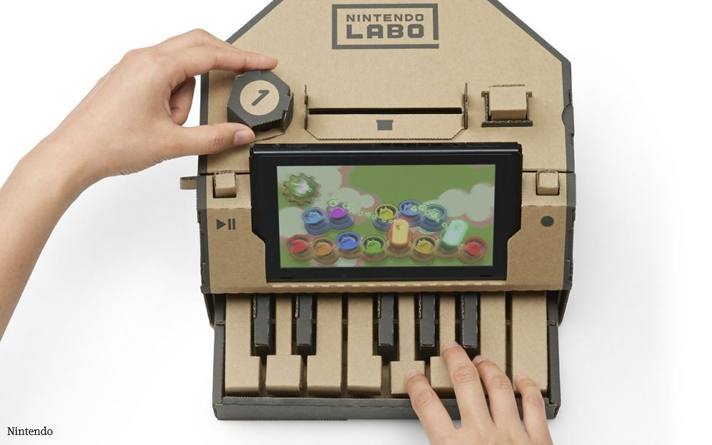 Nintendo takes cardboard to the next level. https://t.co/DaRb20XD3M  Build-it-yourself Nintendo Labo cardboard kits, with accompanying software, will let users transform the Switch into a miniature piano, motorcycle handlebars, robot exoskeleton and other objects. #videogames