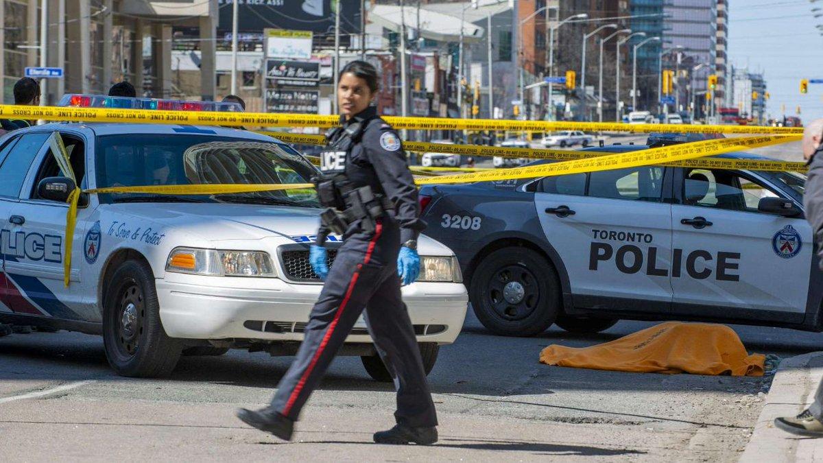 Strage Toronto, la polizia: 'Per ora nessun legame con terrorismo' #toronto https://t.co/LwaqBuV05w