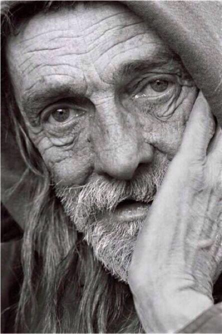 #تعاريف : . . الغياب : رجل مُسن يرتدي عب...