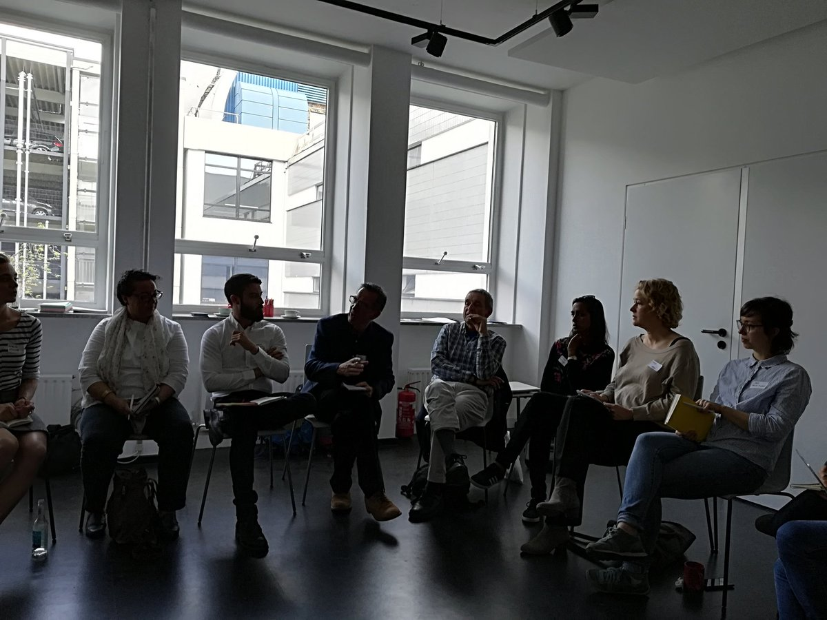 What is the difference between Mentoring and Coaching? How each of them benefit migrants entrepreneurs? CoP1 of the @EMEN_Project exchanging experiences about it at #socialimpactlab #Munich #migrent #migrantintegrationEU #coaching #mentoring<br>http://pic.twitter.com/CcrFbbehUg