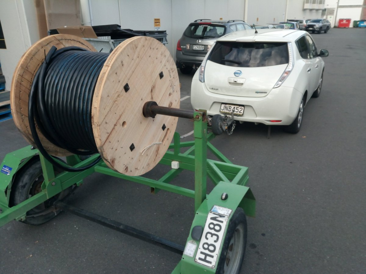 Patrick Herd On Twitter Electric Car Towing A Cable Trailer Range Extender Brad Kul