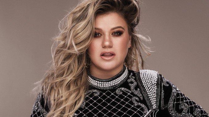 Happy 36th Birthday to Kelly Clarkson !