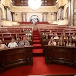 "Last week students at the London School of Economics came to Catalan Parliament in order to participate in the workshop ""Tools for citizen participation"". We wish it was an enriching experience for all the participants! @LSEnews #AulaParlament"
