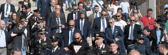 Roberto #Fico a piedi al #Quirinale scortato da 20 agenti https://t.co/ay5Ej0Thpw