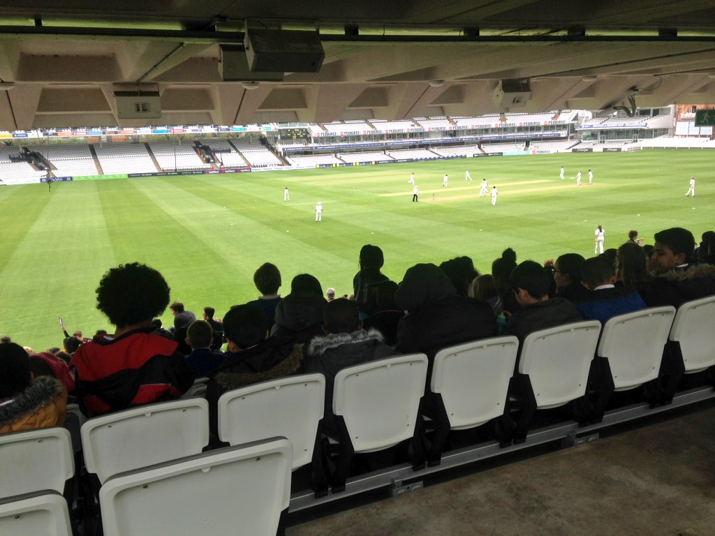 A rough estimate of how many kids there are here at Lords for #womensday - LOTS AND LOTS <br>http://pic.twitter.com/XChCnmijXh