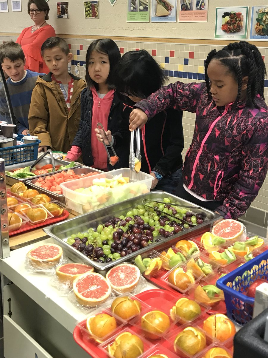 Fresh fruits are always a popular option in the lunch line! 🍓🍉🍎🍊🥝 <a target='_blank' href='http://search.twitter.com/search?q=APSisAwesome'><a target='_blank' href='https://twitter.com/hashtag/APSisAwesome?src=hash'>#APSisAwesome</a></a> <a target='_blank' href='https://t.co/mvlcoSpkFK'>https://t.co/mvlcoSpkFK</a>