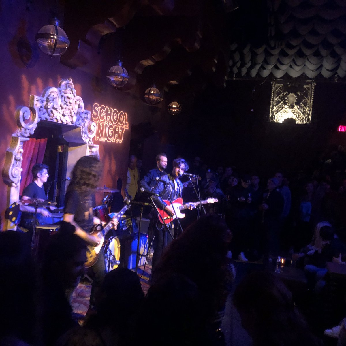 What a tight and groovy performance by new friends Dave Green and the Blinders  at @ItsASchoolNight last night! This guy is about to take over!! Rock n roll is back baby !! #livemusic #apa @apatouring #davegreen<br>http://pic.twitter.com/tcQEBPgiqA &ndash; à Bardot