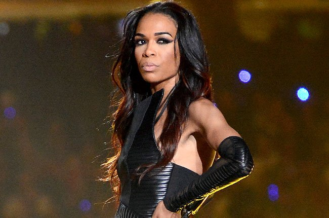 Singer @RealMichelleW signs with #APA - read more via @THR:  https://www. hollywoodreporter.com/news/singer-mi chelle-williams-signs-apa-1105079 &nbsp; …   #MichelleWilliams #APAtouring<br>http://pic.twitter.com/eK9fw7yHzq