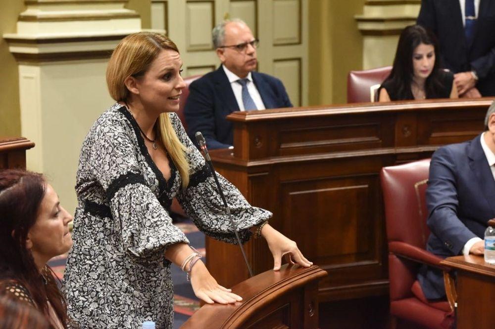 Clavijo acepta la propuesta de Podemos para crear una oficina anticorrupción eldia.es/2018-04-24/can…