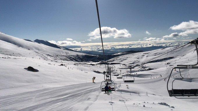 Tras 5 meses de apertura de la estación, ¡Anunciamos el cierre de la temporada el 1 de mayo! Aprovecha a esquiar este #PuenteDeMayo y despide la temporada en #AltoCampoo.  #UnLugarParaCompartir #TengoGanasDeNieve  https://t.co/bwUCsDco8Y
