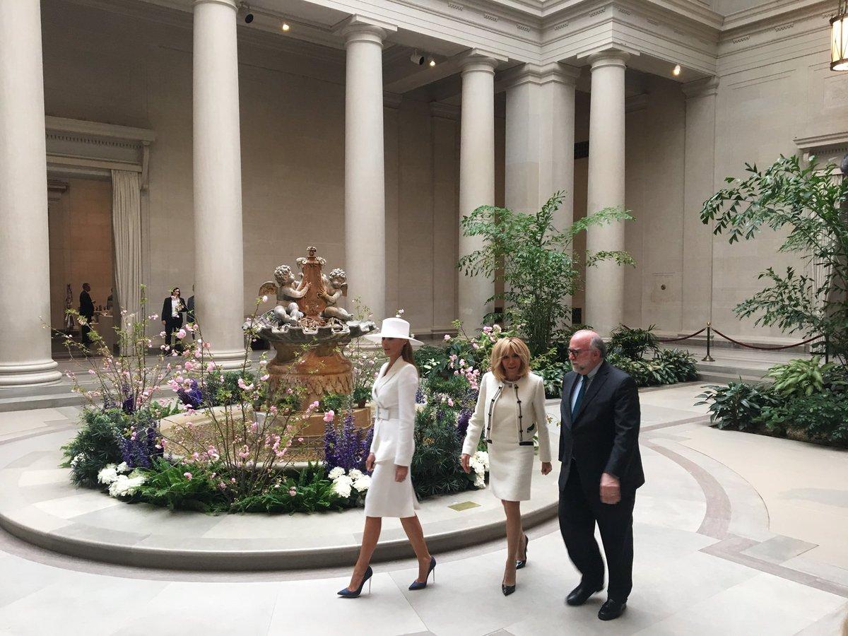Le chapeau va au musée - @FLOTUS and Mrs...