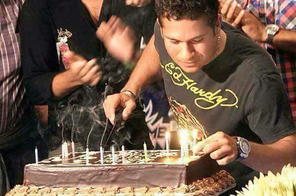 birthday to the God of cricket..... Sachin Tendulkar