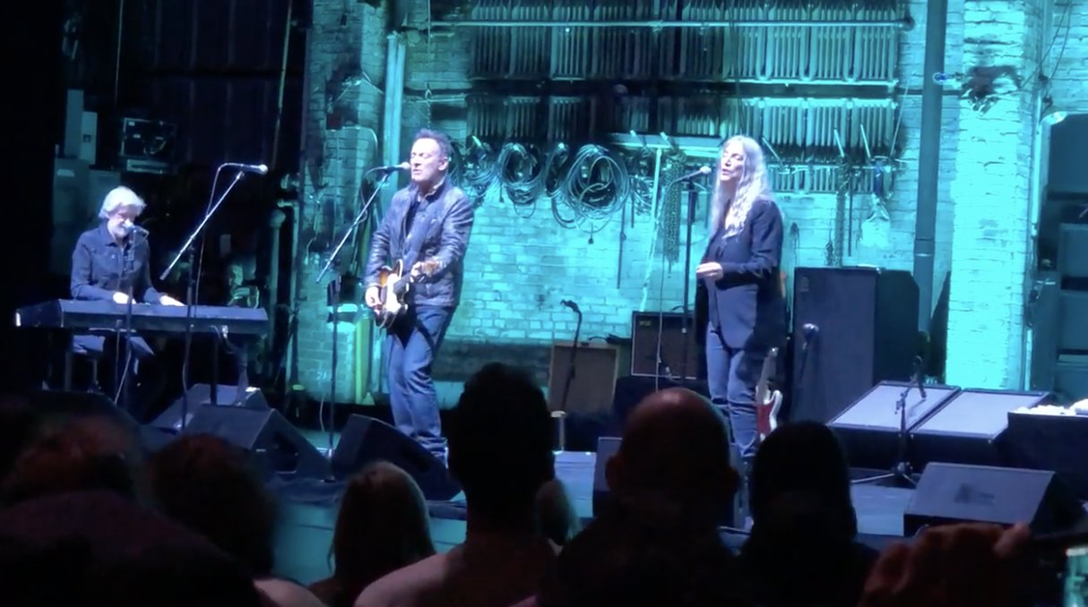 See Bruce Springsteen join Patti Smith for a performance of 'Because the Night' in New York https://t.co/gMxrgYvri5 https://t.co/hv1kQm8hPZ