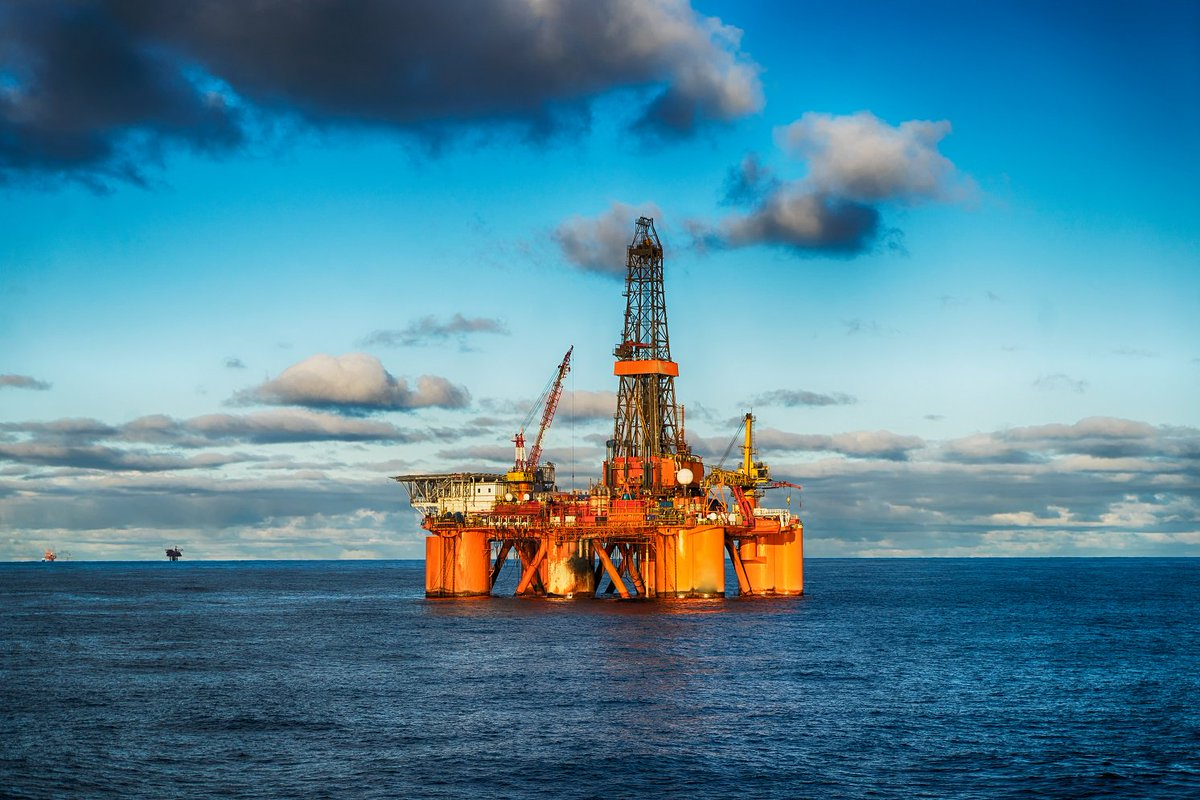 'We are concerned that allowing offshore drilling in #HRVA would create new challenges for the region's DOD installations & the activities taking places on & around these waters.' Read  & 's fu@MarkWarnerll lett@timkaineer to  James Matti#SecDefs here: https://t.co/THOPjWrj4w