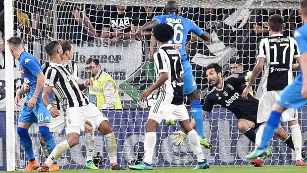 Napoli, muore d'infarto dopo il goal di Koulibaly alla Juventus - https://t.co/IJcX2Gz6G1 #blogsicilianotizie #todaysport
