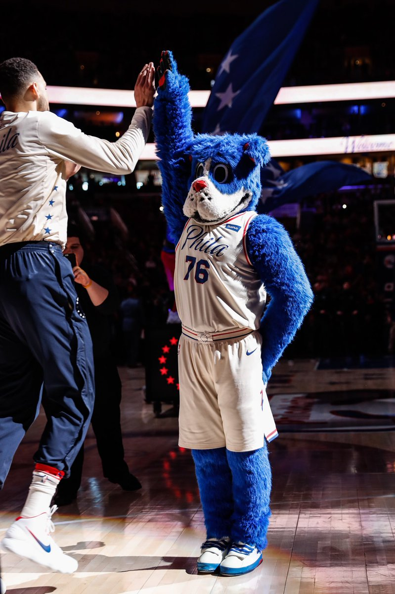 Tag a friend and raise your hand if you're ready for a Game 5 win. #PhilaUnite