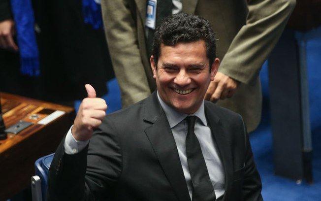CNJ adia julgamento de ação contra Moro por grampo de conversa entre Lula e Dilma → https://t.co/uaxui4ThyD